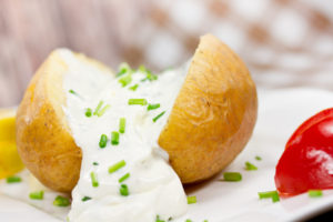 Traditionell – Ofenkartoffel mit Sour cream